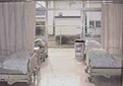 居室の画像です。ベッドが2台並べられています。