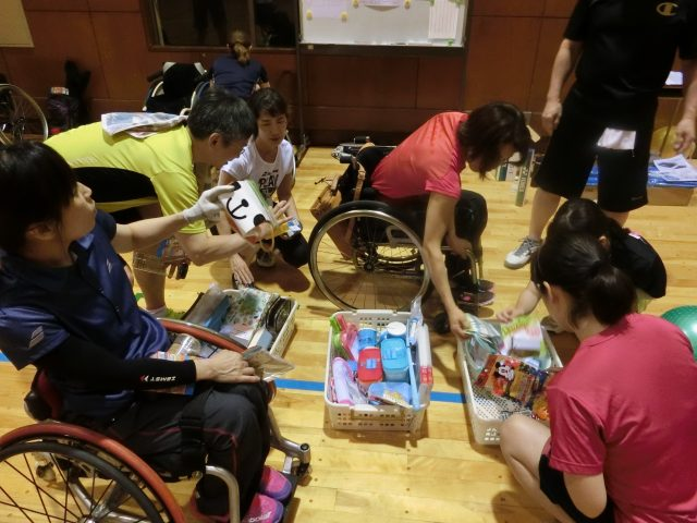 「障害者バドミントン親睦大会」を開催しました。