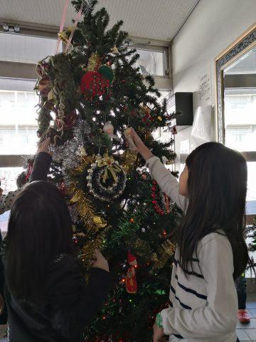 クリスマスツリーの飾りつけ🎄